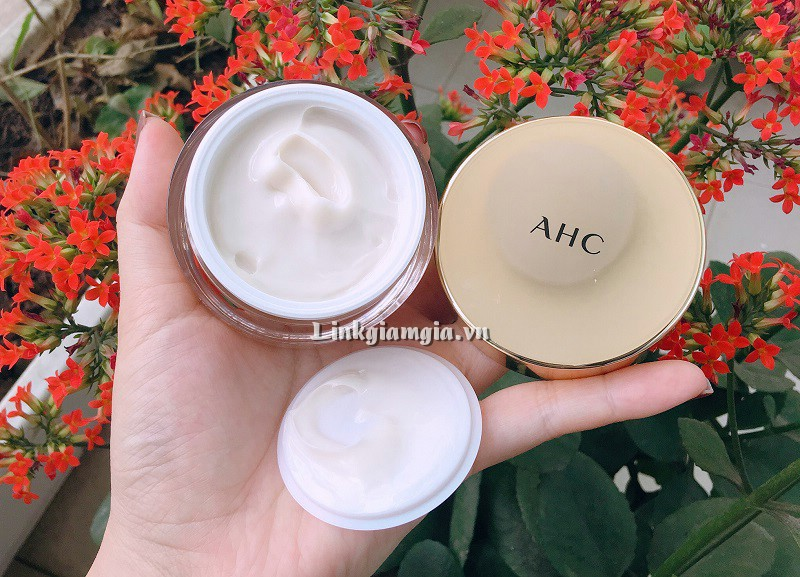 Review kem dưỡng AHC Capture Solution Max Cream
